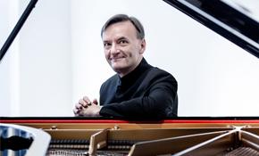 斯蒂芬·霍夫演绎贝多芬协奏曲